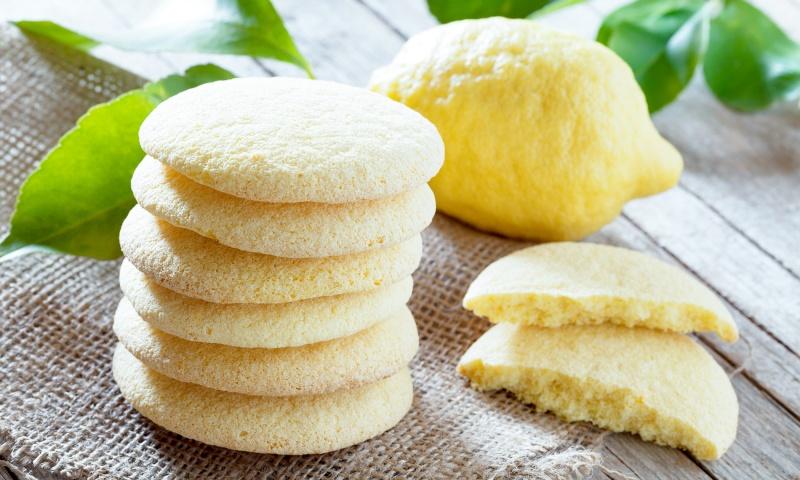 Biscotti al limone con albume