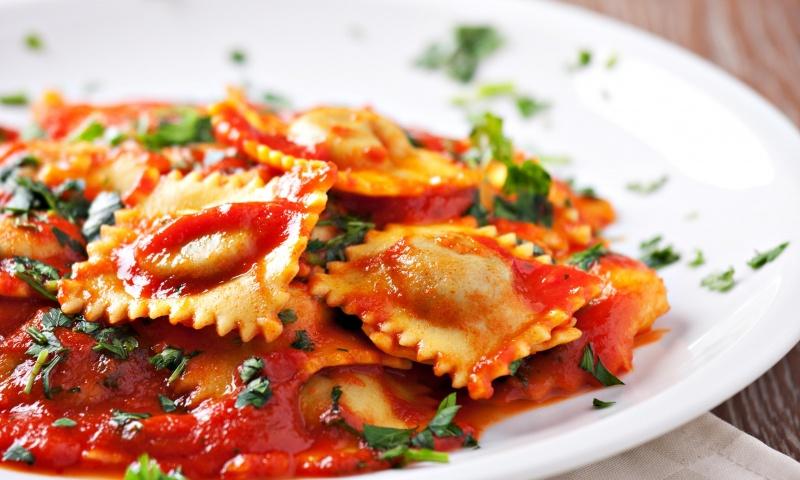 Ravioli ricotta pomodoro e basilico